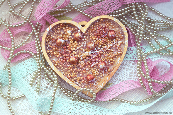 Бусины в сердце, beads in the wooden heart, своими руками, handmade