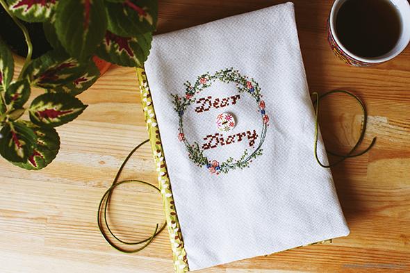 "Софтбук ""Dear Diary"" и схема вышивки/Softbook ""Dear Diary"" and cross-stitching pattern"