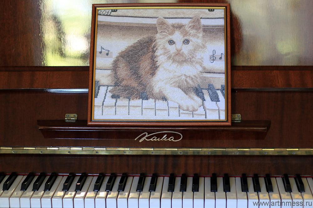 Вышивка Кошка на пианино / Cross-stitching cat on the piano